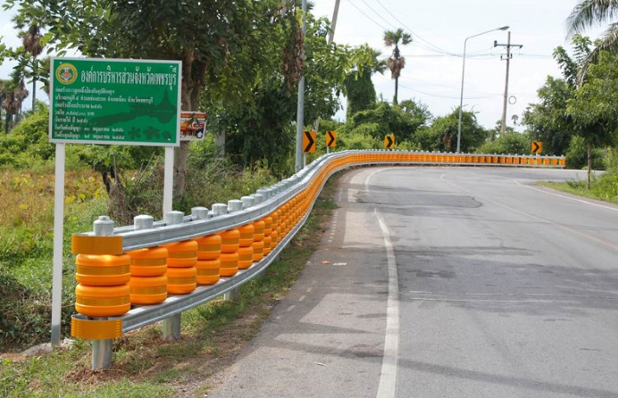 rolling-barriers-for-safer-roads